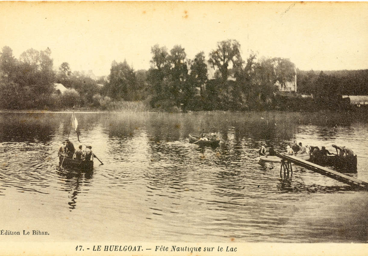 Une photo du lac d'Huelgoat vers 1906.(collection personnellle)